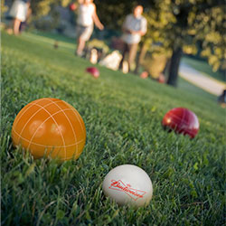 Bocce Ball Set- Regulation Outdoor Family Bocce Game for Backyard, Lawn, Beach and More- 8 Balls, Pallino, and Carrying Case by Hey! Play! (Budweiser)