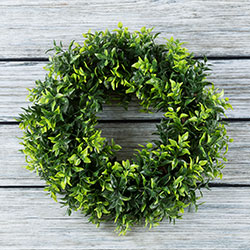 Round Basil Leaf Artificial Wreath 11.5 Inches Image