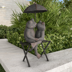 Frog Couple Statue-Resin Romantic Animal Figurine for Outdoor Lawn and Garden Décor-Great for Flower Beds, Fairy Gardens, and More by Pure Garden